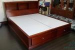 Giường có hộc kéo bằng gỗ Sồi Mỹ nhà Cô Minh, Phú Nhuận, TPHCM