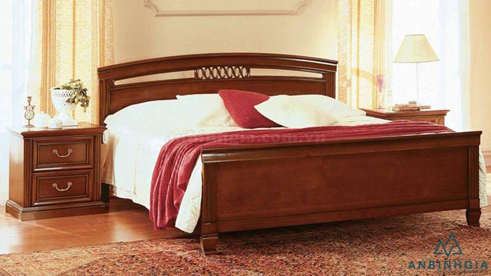 Giường đôi bằng gỗ Xoan Đào - GTN 11